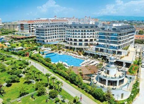 Hotel Commodore Elite Suites & Spa günstig bei weg.de buchen - Bild von FTI Touristik
