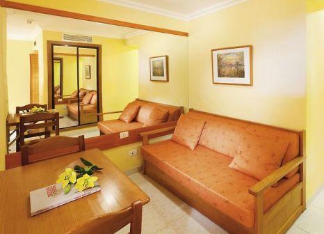 Hotelzimmer mit Mountainbike im GF Noelia