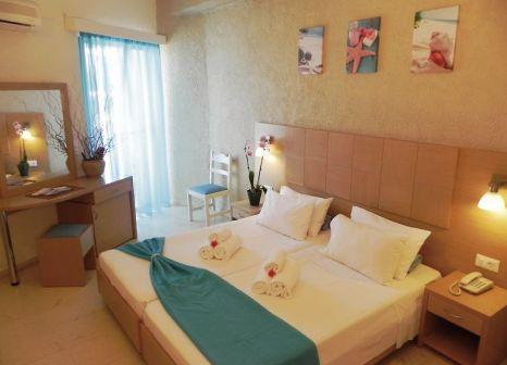 Hotelzimmer mit Volleyball im Hotel Cooee Albatros