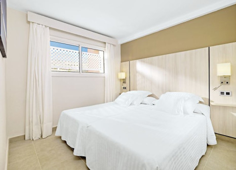 Hotelzimmer mit Volleyball im Allegro Isora