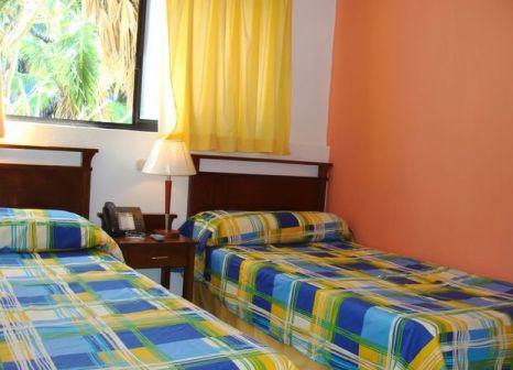 Hotelzimmer mit Volleyball im Hotel Club Tropical