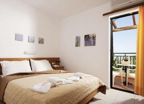 Hotelzimmer mit Mountainbike im Asterias Village Resort