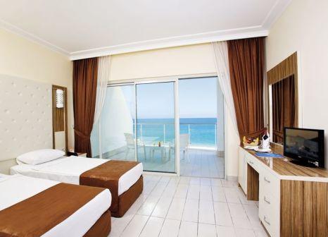 Hotelzimmer mit Volleyball im Grand Park Kemer Hotel
