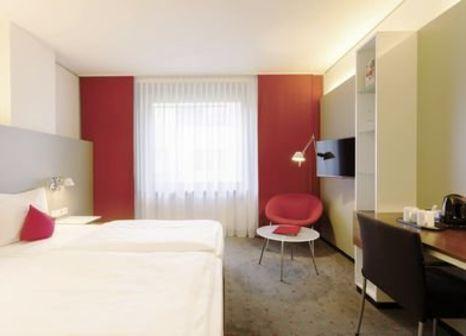 Hotel Vienna House Easy Mo. Stuttgart günstig bei weg.de buchen - Bild von FTI Touristik