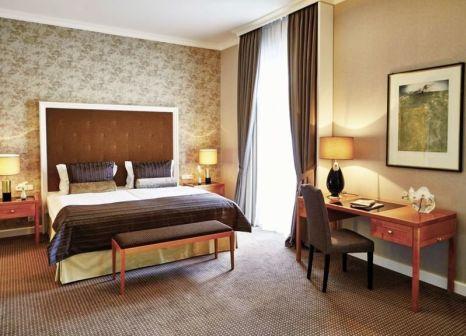 Hotelzimmer mit Yoga im Steigenberger Frankfurter Hof