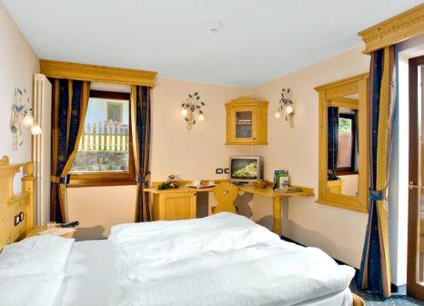 Hotelzimmer mit Tischtennis im Domina Parco dello Stelvio