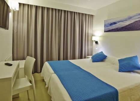 Hotelzimmer mit Volleyball im Aparthotel Nereida
