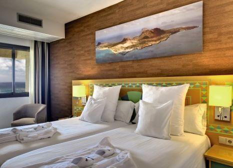Hotelzimmer mit Mountainbike im Occidental Lanzarote Mar