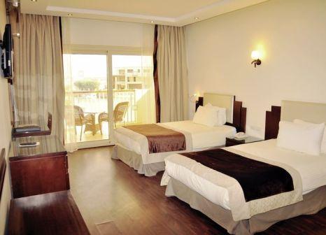 Hotelzimmer mit Volleyball im SUNRISE Grand Select Crystal Bay Resort