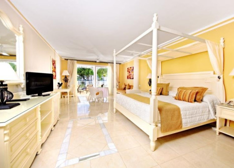 Hotelzimmer mit Volleyball im Luxury Bahia Principe Bouganville