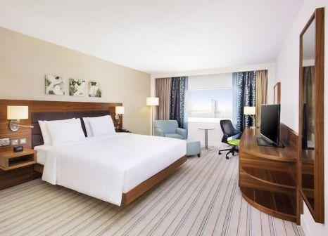 Hotelzimmer mit Tennis im Hilton Garden Inn Ras Al Khaimah