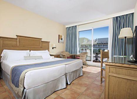 Hotelzimmer mit Mountainbike im Fuerte Costa Luz
