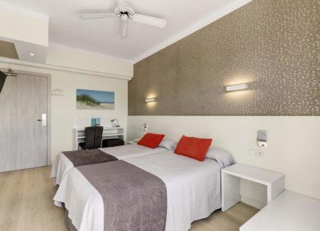 Hotelzimmer mit Mountainbike im Metropolitan Playa Hotel
