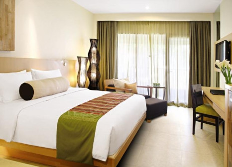 Hotelzimmer mit Mountainbike im Holiday Inn Resort Baruna Bali