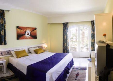 Hotelzimmer mit Volleyball im Lotus Bay Resort