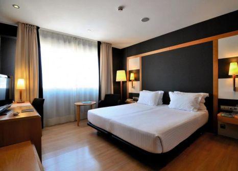 Hotelzimmer mit Mountainbike im Barcelona Universal