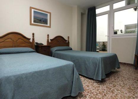 Hotelzimmer mit Mountainbike im Hotel Mediterraneo Carihuela