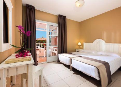 Hotelzimmer im El Duque günstig bei weg.de
