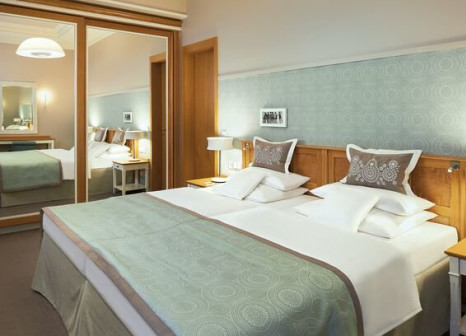 Hotelzimmer mit Yoga im Travel Charme Kurhaus Binz