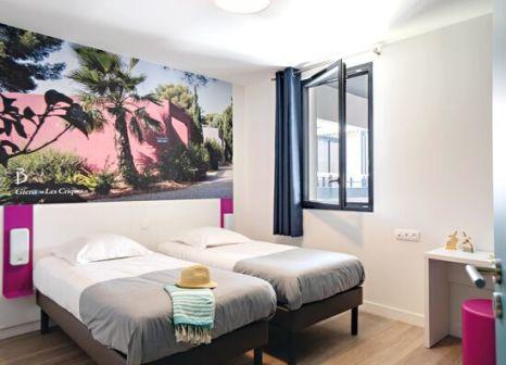 Hotelzimmer mit Volleyball im Belambra Club Riviera Beach Club