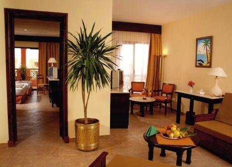 Hotelzimmer mit Volleyball im Parrotel Aqua Park Resort