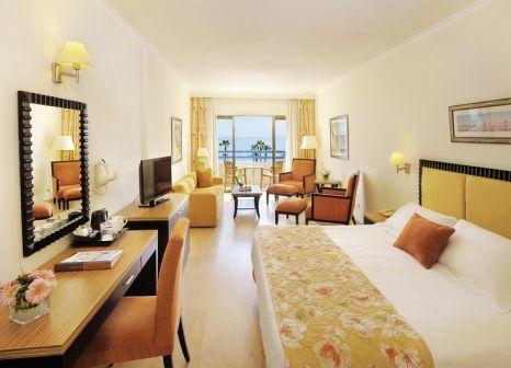 Hotelzimmer mit Mountainbike im Elias Beach Hotel