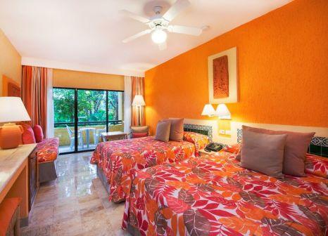 Hotelzimmer mit Volleyball im Iberostar Quetzal