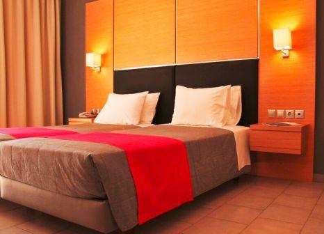 Hotelzimmer mit Volleyball im Kipriotis Village Resort