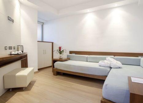 Hotelzimmer mit Volleyball im Hipotels Cala Millor Park