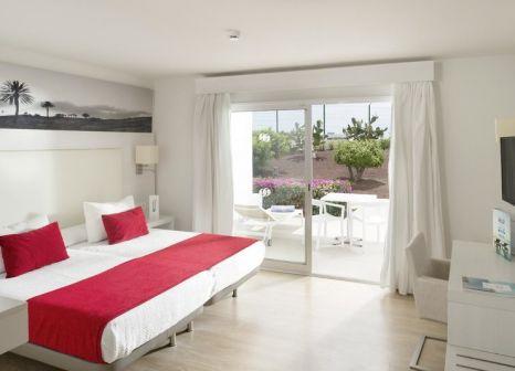 Hotelzimmer mit Mountainbike im Aequora Lanzarote