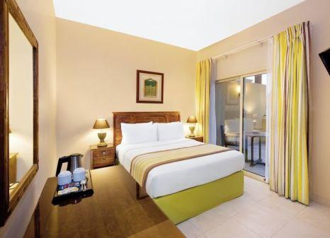 Hotelzimmer im Al Hamra Village Golf & Beach Resort günstig bei weg.de