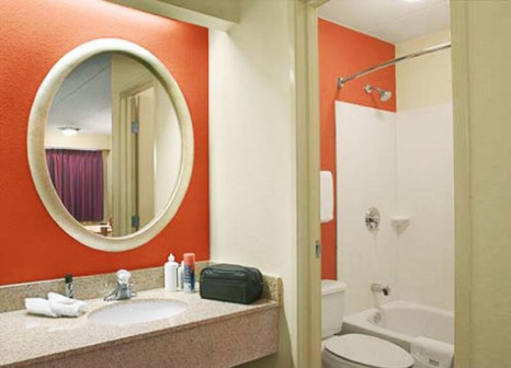 Hotel Red Roof PLUS+ San Francisco Airport 2 Bewertungen - Bild von FTI Touristik