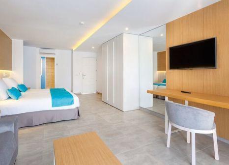 Hotelzimmer mit Mountainbike im LABRANDA Bahia de Lobos