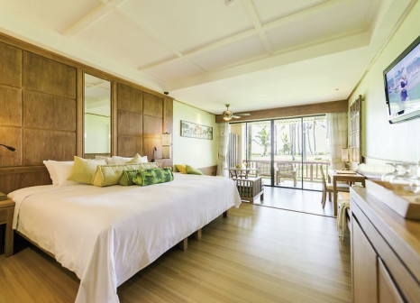 Hotelzimmer mit Volleyball im Katathani Phuket Beach Resort