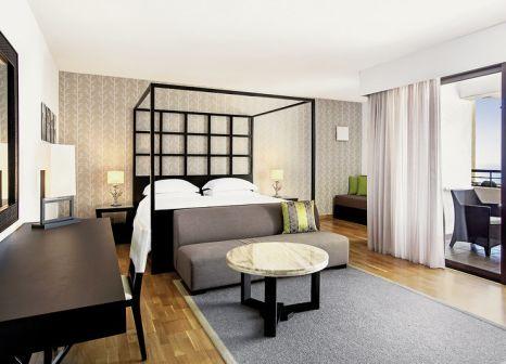Hotelzimmer mit Volleyball im Sheraton Rhodes Resort