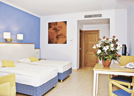 Hotelzimmer mit Mountainbike im Hotel Luz del Mar