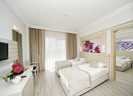 Hotelzimmer mit Volleyball im Coralla Hotel Side