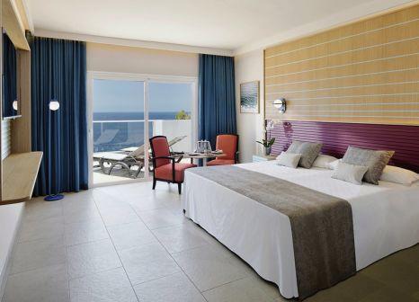 Hotelzimmer mit Mountainbike im Hotel Roca Nivaria GH