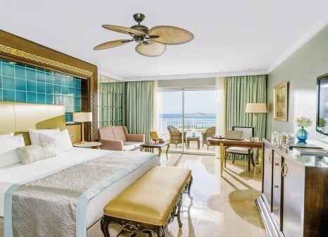 Hotelzimmer mit Volleyball im Rixos Premium Bodrum