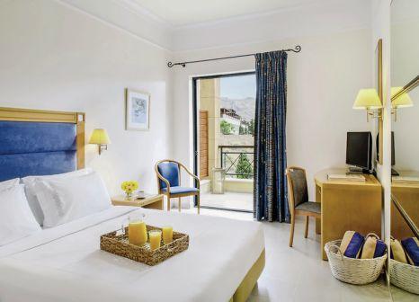 Hotelzimmer mit Mountainbike im Mitsis Lindos Memories Resort & Spa