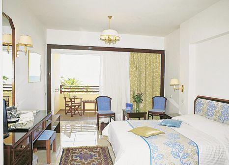 Hotelzimmer mit Mountainbike im Creta Royal