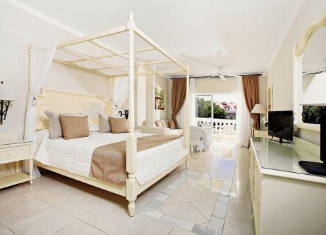 Hotelzimmer mit Volleyball im Bahia Principe Luxury Cayo Levantado