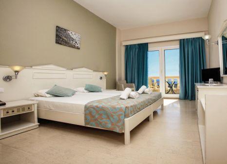 Hotelzimmer mit Tischtennis im smartline Arion Palace