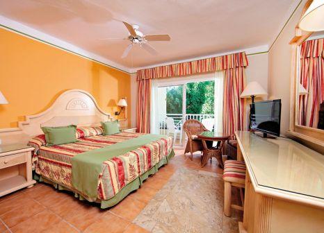 Hotelzimmer mit Volleyball im Bahia Principe Grand El Portillo