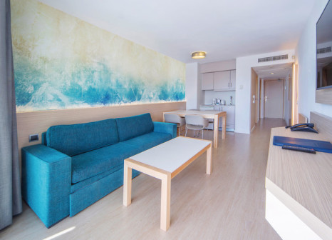 Hotelzimmer mit Volleyball im Aparthotel Fontanellas Playa