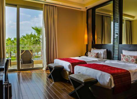 Hotelzimmer mit Volleyball im Rixos The Palm Hotel & Suites