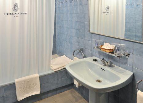 Hotelzimmer mit Wassersport im Hotel GHT Neptuno