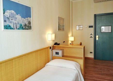 Hotelzimmer mit Mountainbike im Clarion Collection Hotel Garden Lido