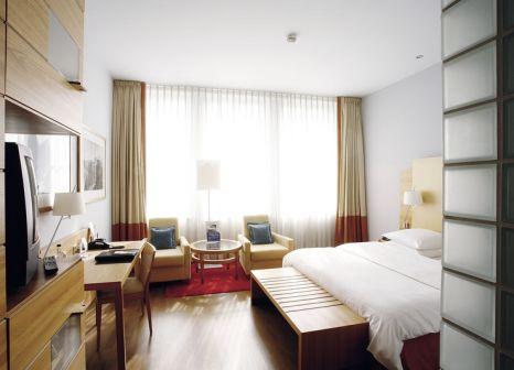 Hotelzimmer mit Aerobic im Hilton Cologne