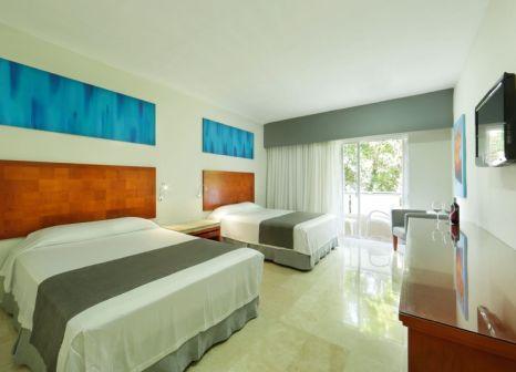 Hotelzimmer mit Volleyball im Viva Wyndham Maya